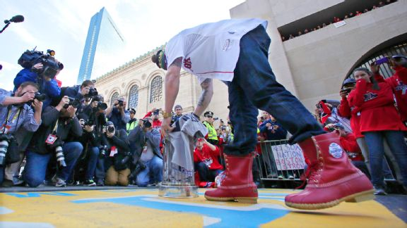 Jonny Gomes rocking his new, red LL Bean Boots (AP Photo/Charles Krupa)