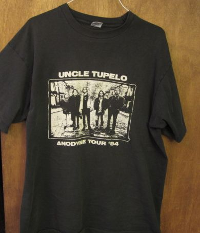 Well-worn Uncle Tupelo rock tee.